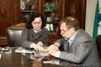 Secret�ria Ana Seres recebe visita de Fl�vio Arns