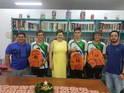 Atletas do NRE de Fco Beltrão que participam do programa Talento Olímpico do Paraná - TOP 2020 recebem uniformes